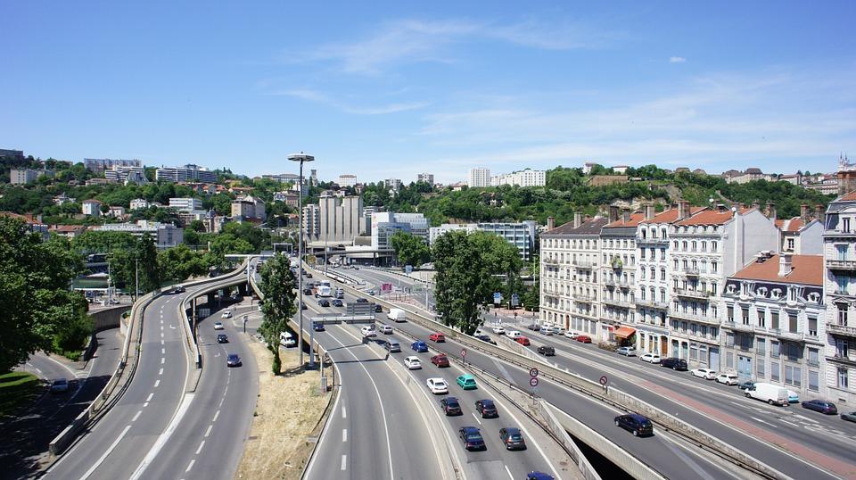Circulation à Lyon à l'approche du tunnel sous fourvière
